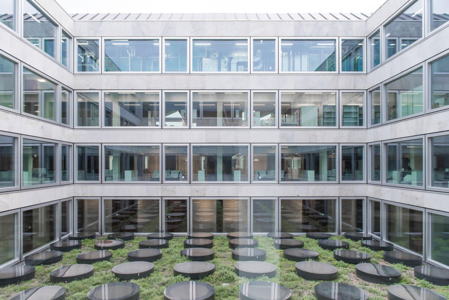 bhp Baumanagement AG – Innenhof Hauptsitz Zürcher Kantonalbank