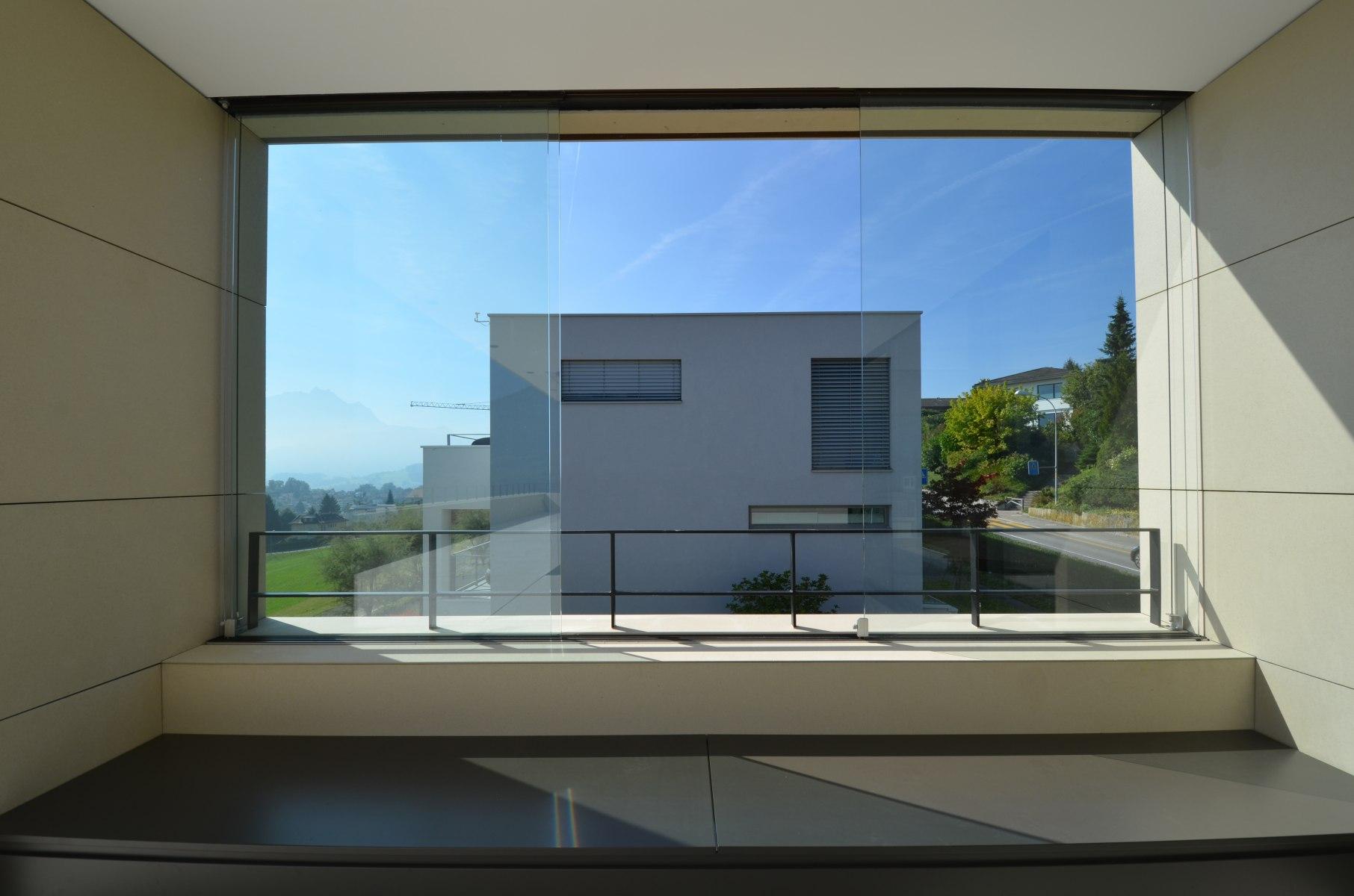 bhp Baumanagement AG – Neubau Zweifamilienhaus Schwerzihöhe – Attikafenster