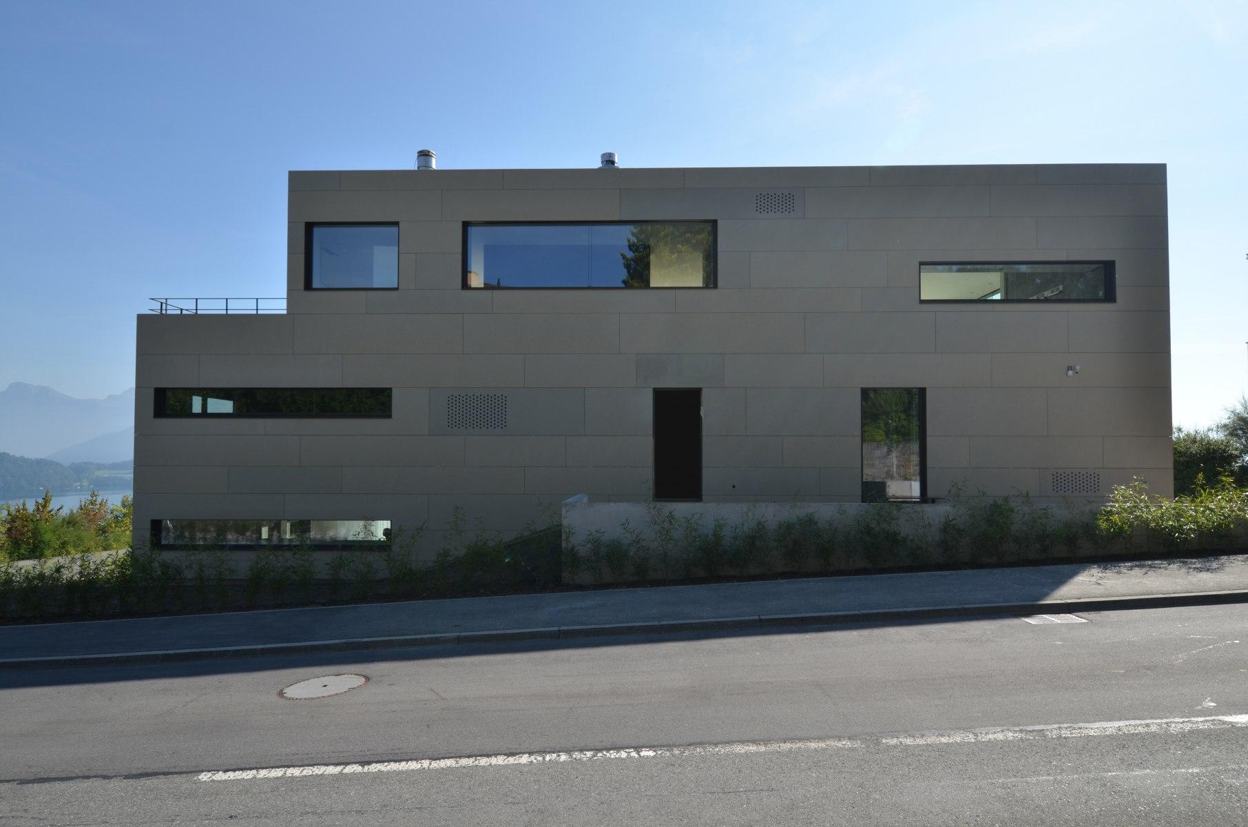 bhp Baumanagement AG – Neubau Zweifamilienhaus Schwerzihöhe – Nordfassade