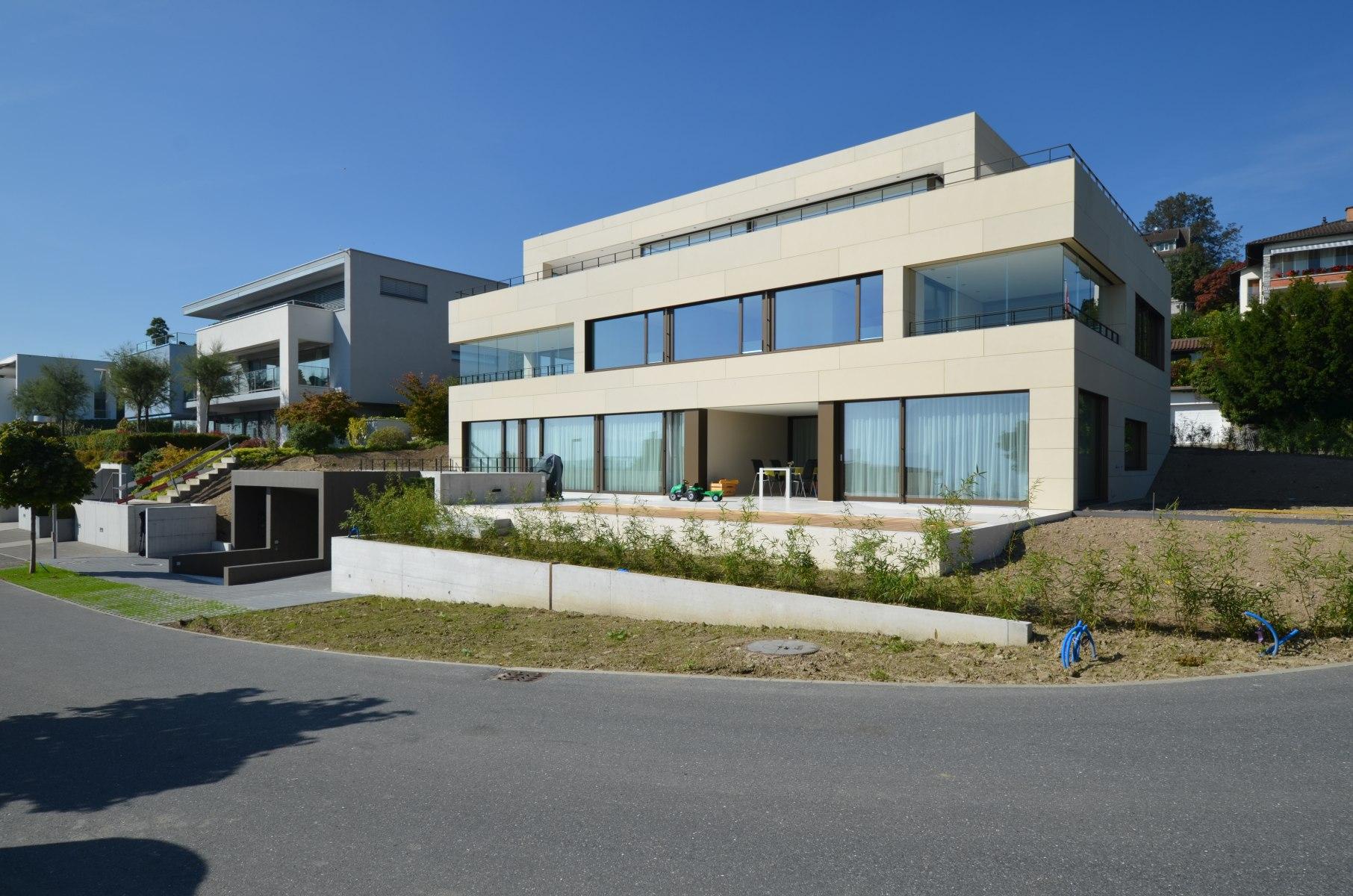 bhp Baumanagement AG – Neubau Zweifamilienhaus Schwerzihöhe – Südfassade