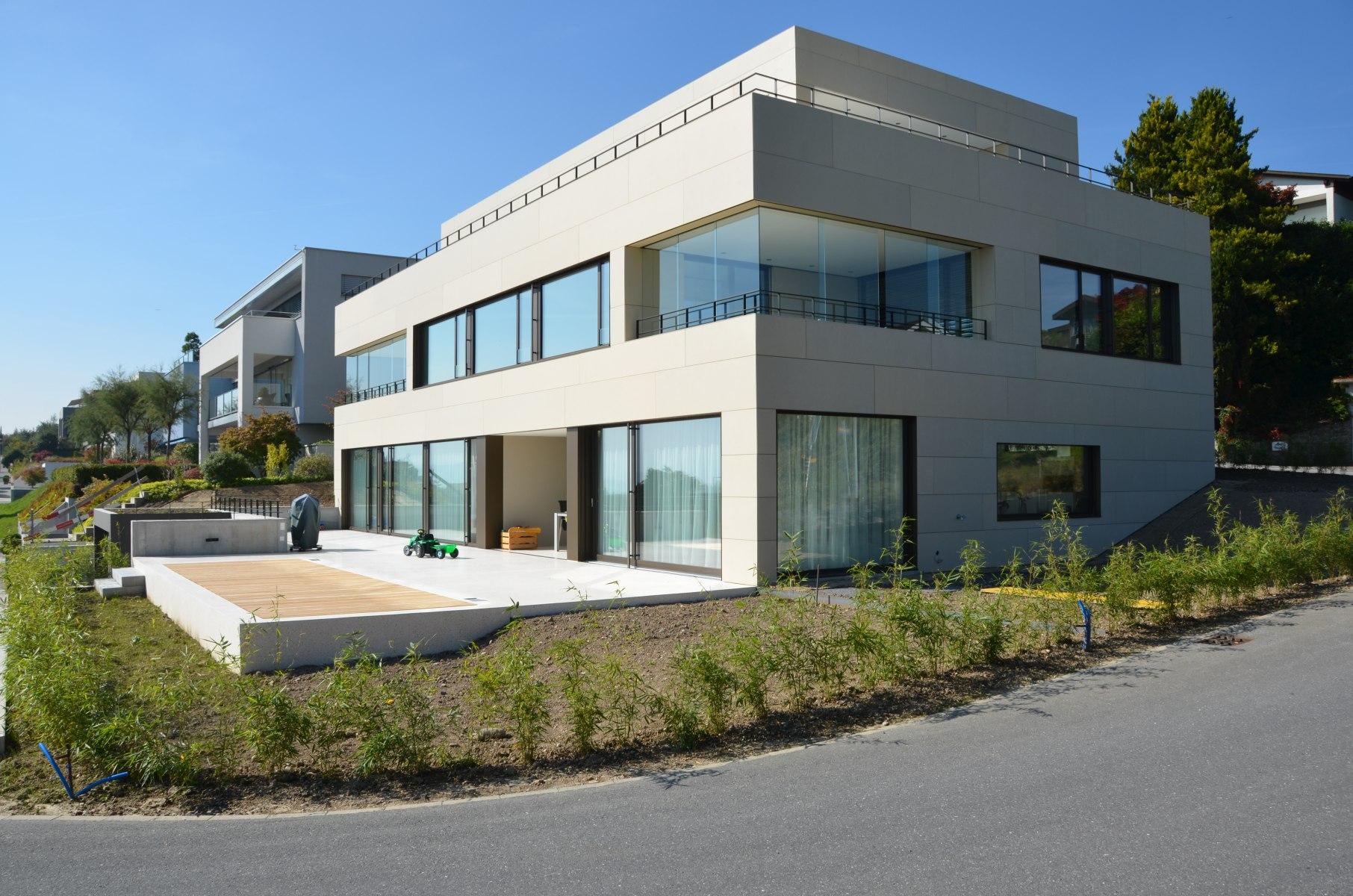 bhp Baumanagement AG – Neubau Zweifamilienhaus Schwerzihöhe – Südostfassade